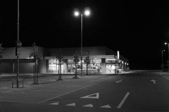 Supermarket quiet 3